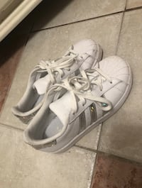 Adidas shoes size 3 Waterloo, N2L 5S7