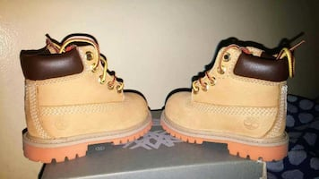 Toddler timberland boots (brand new condition)