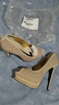 Champagne color with gold studs all over shoe peep toe cushion foot bed Omaha, 68108