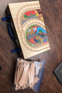 Wooden train set w/carrying case