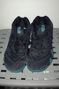 Kyrie 4s Size 9 Urbandale, 50322