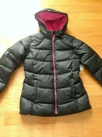 black and red zip-up bubble jacket size 10/12 51 km
