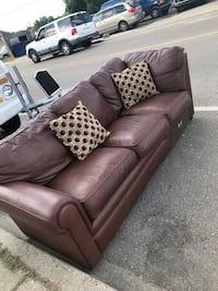 brown leather 3-seat sofa New Orleans, 70114