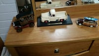white and red truck scale model Selma, 93662