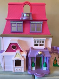 New doll house fisher price