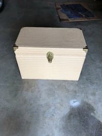 Nice Wood & Wicker Chest Canyon, 79015