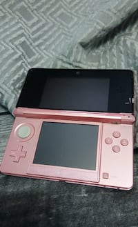 3ds few games charger pen  Brantford, N3S 1S5