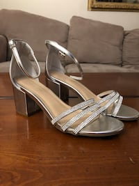 High Heels Le Chateau size 6.5 shoes Vancouver, V5N 1L7
