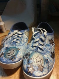 Size 8 women's handpainted sneakers North Providence, 02904