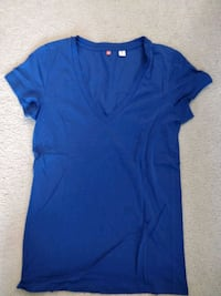 3 women's Uniqlo t shirts  Toronto, M1H 2H1