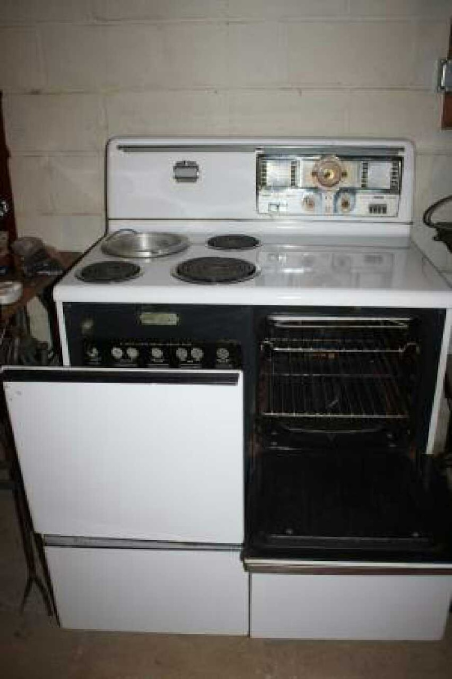 Refurbished Vintage Electric Stoves ~ Used hotpoint electric antique range stove rc in