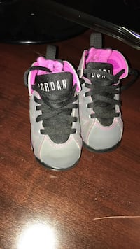 pair of white-and-pink Nike sneakers Tuscaloosa, 35406
