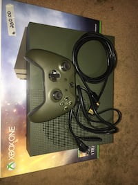 Xbox One console with controller and box Springfield, 45503