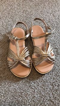 Girls party sandals  Surrey, V3S 8W8