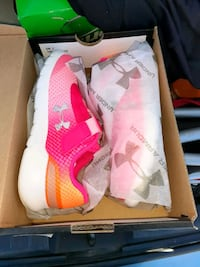 Under Armour toddler girls size 8 Sterling, 20164