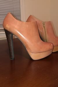 Genuine leather booties ....Steve Madden