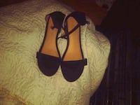 brand new size 9 black sandels  Barberton, 44203