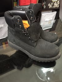 Black woman's timberlands. Worn twice. Size 7  Airdrie, T4B