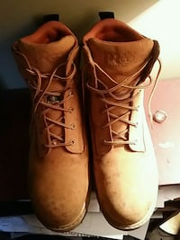 Size 11 men's timberland steel toe boots  Surrey, V3R 8W3