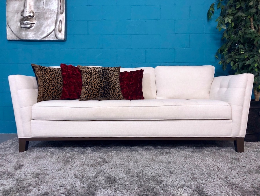 ***Cindy Crawford Home Park Boulevard Off White Sofa (Free Delivery)