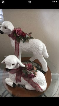 Decorative lambs Hollister, 95023
