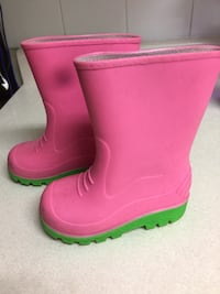 pair of pink rain boots North Vancouver, V7M 1G1