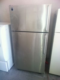 Frigidaire stainless steel top and bottom fridge  San Bernardino, 92411