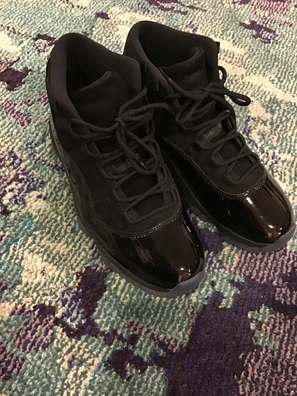 on sale 76c6b 532a6 Cap and gown Jordan 11s
