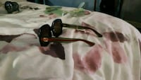 Gucci brand new framed sunglasses Vancouver