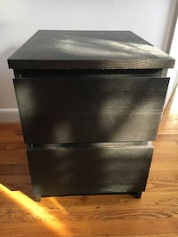 black wooden 2-drawer nightstand New York, 10027