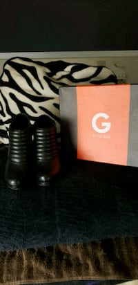 Guess Booties  Fresno, 93701