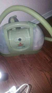 gray and purple Bissell vacuum cleaner Ottawa, K1W 0A7