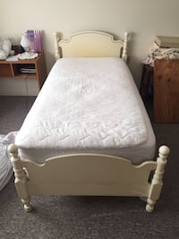 Sears French provincial twin bdrm set East Haven, 06513