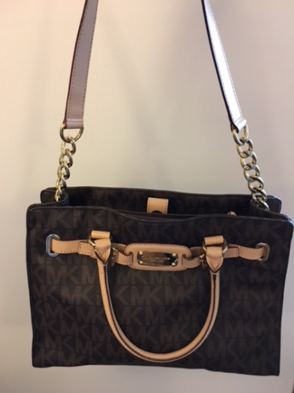5646c747b1255 Used Authentic Michael Kors Bag for sale in VANCOUVER - letgo