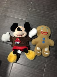 Plush minnie mouse and gingerbread man and drive car toy works great Toronto, M1B 1E2