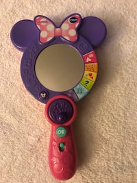 Vetch Minnie Mouse play mirror
