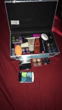 Makeup with case Portland, 97267