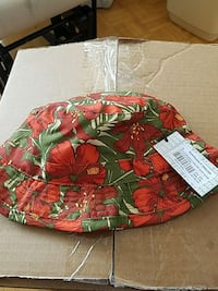 Reversable red and green floral printed bucket hat Toronto, M4C