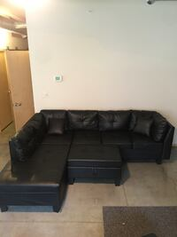 Modern Black Leather Sectional Des Moines, 50309