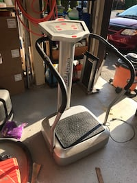 Vibrating plate exercise machine