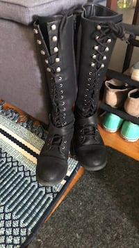 Size 10 black lace up and zip boots from target Winchester, 22601