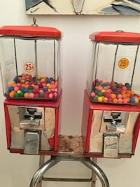 red and gray gumball dispenser retro Montréal, H3N 2A2