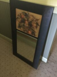 Nice mirror with green wooden frame. Great condition  Gaithersburg, 20882