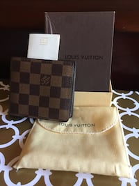 Beautiful Chocolate Brown LV Wallet in Case Mississauga, L4Z 4K5