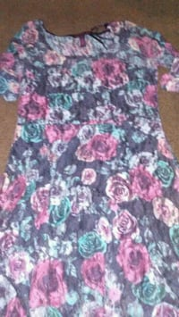 Colorful floral dress Barstow, 92311