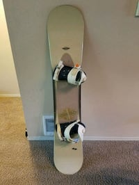 SIMS 156cm snowboard with bindings Redmond, 98052