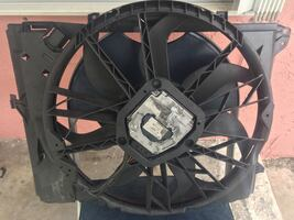 BMW 328i 335i 325i is in good condition fan