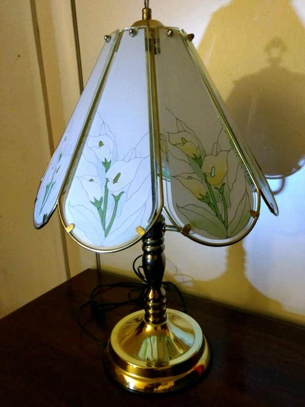 Reduced 21 Tall Floral Touch Lamp