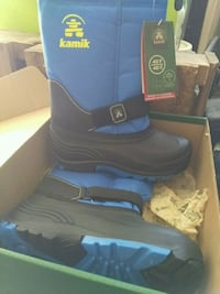 Karmic boys winter boots size 4 brand new... never worn