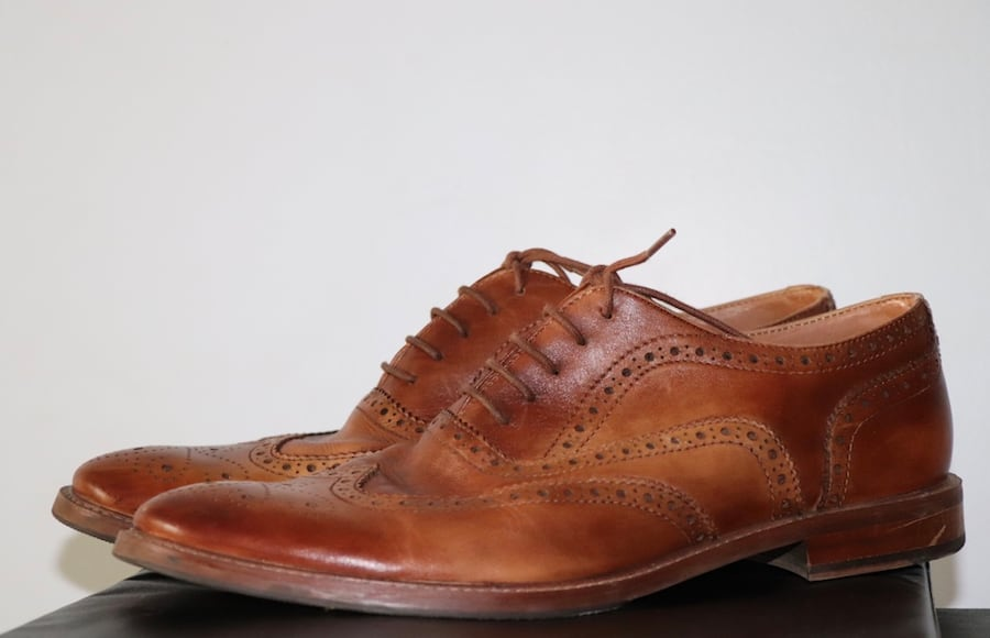 Brown leather shoes (size 11) ff510bde-a5f5-4eef-99a8-aa32978dd147